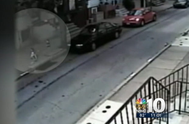 [PHI] Man Tries to Snatch Child Off Philly  Street