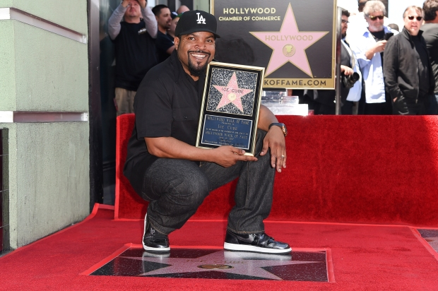[UPDATED 06/12] Stars Honored on Hollywood Walk of Fame in 2017