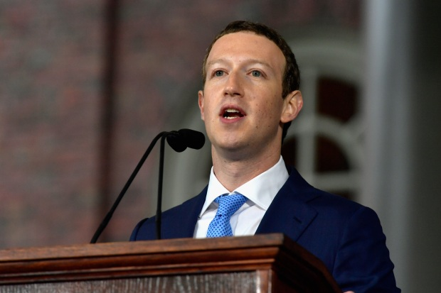 [NATL] Zuckerberg Gets Emotional During Harvard Commencement Speech