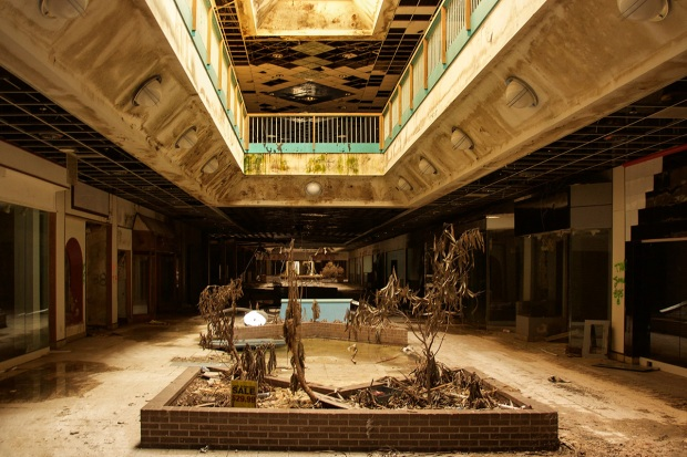 Images of America's'Creepiest Abandoned Mall in Missouri