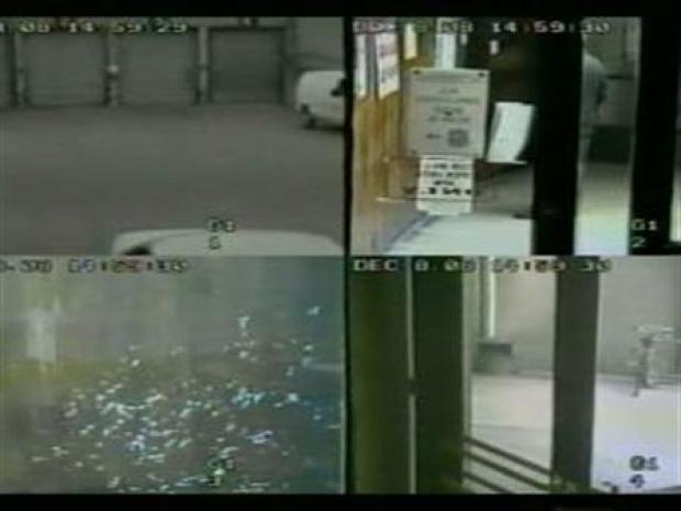 [PHI] Suspect Escapes, Walks Out Police HQ Front Door