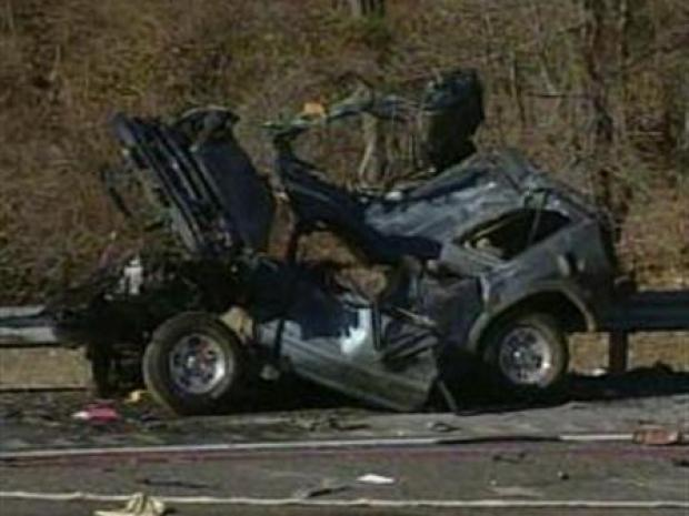 [PHI] Horrible Car Crash in I-95