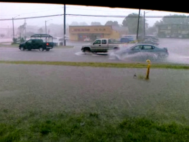 [PHI] Raw Video: Flood Waters in New Castle County