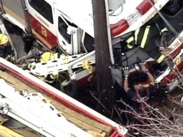 [PHI] Fire Trucks Crash