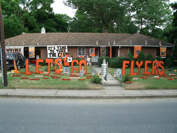 Your Photos: Flyers Front, Back Yards