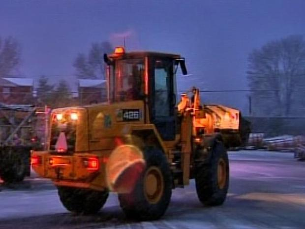 [PHI] PennDot Crews Clean Up