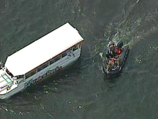 [PHI] RAW VIDEO: Ride the Ducks Crash Aftermath