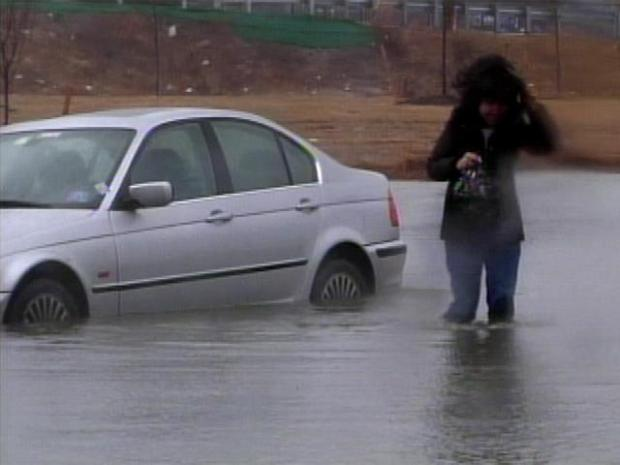 [PHI] Drivers Stranded When Jersey Roads Flood