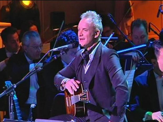 "[PHI] Sting Performs ""Message in a Bottle"" at Academy of Music"