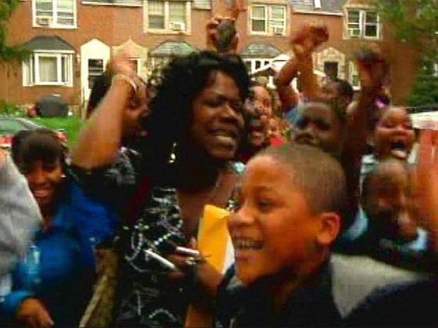 [PHI] Upset Mother Calls for Teachers' Resignation