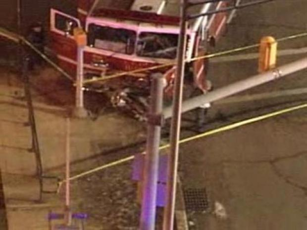 [PHI] Fire Truck Hits Pole, Pole Kills 3-Year-Old