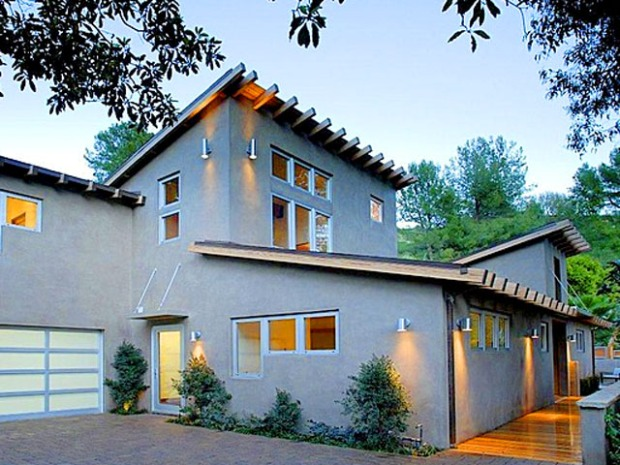 Ashton Kutcher's No Longer on the Market, But His House Is For $2.6M