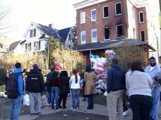 [PHI] Memorial Growing at Scene of Deadly SW Phila. Fire