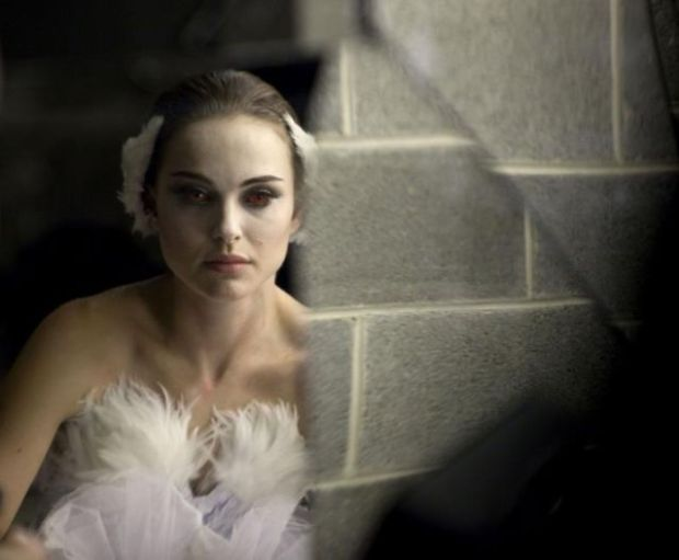 "[THREAD] Reel Style: Ballet-Inspired Fashion from ""Black Swan"""