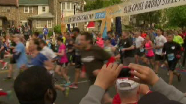 [PHI] And They're Off! Thousands Participate in Annual Broad Street Run