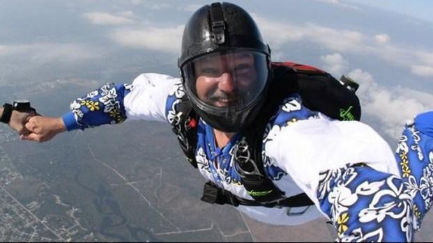 [PHI] Skydiving Accident Kills Delco Mayor