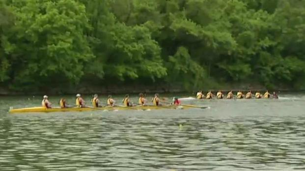 Jefferson Dad Vail Regatta Rowing Back Onto the Schuylkill River