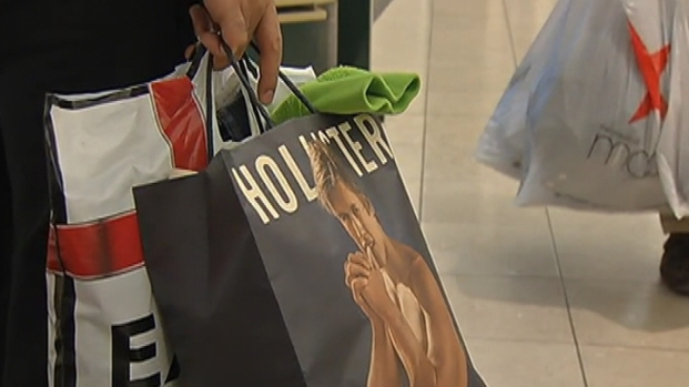 [PHI] NBC10, Black Friday Shoppers Tackle the KOP Mall