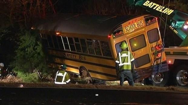 [PHI] 3 Dozen Students OK After School Bus Crash on GSP
