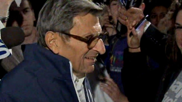 [PHI] Raw Video: JoePa Mobbed by Fans