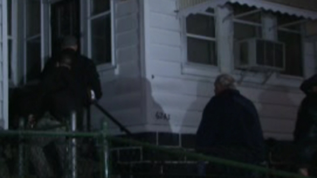 [PHI] Police Search House Where Girl Was Allegedly Held