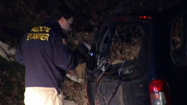 [PHI] Man's Bound Body Found in Burning in Minivan