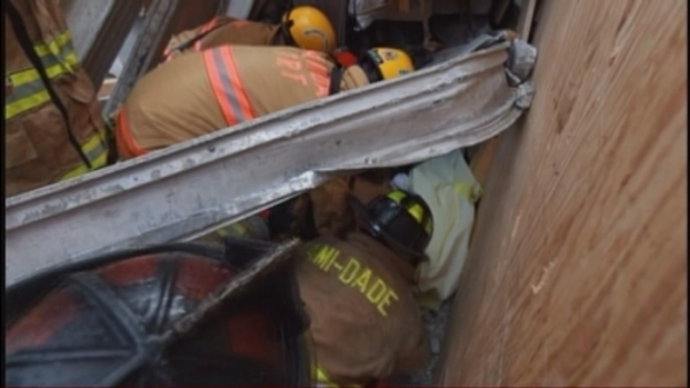 [MI] Rescue Experts in Action After Miami Dade College Garage Collapse