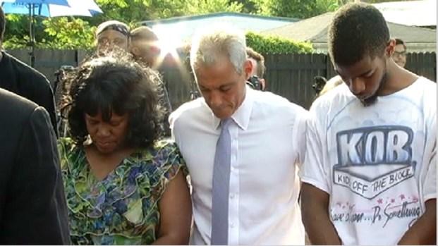 [CHI] Roseland Prayer Vigil Decries Weekend Violence