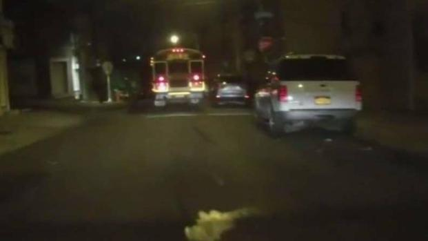 [PHI] School Bus Caught on Camera Clipping Cars in Manayunk