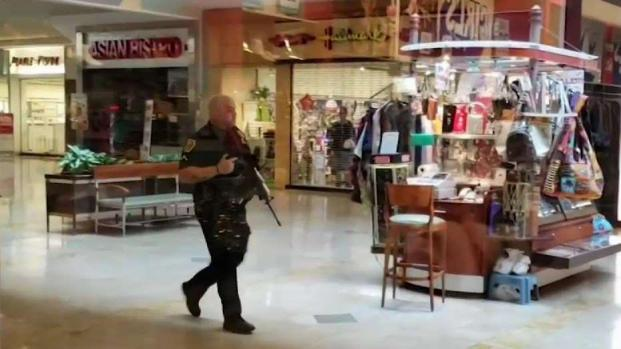[PHI] Shoppers Rushed Into Stores After Shooting at Springfield Mall