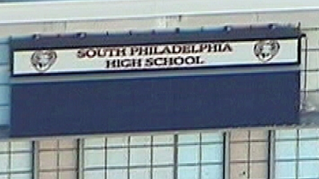 [PHI] Gun Found in Diaper Bag at South Philly High