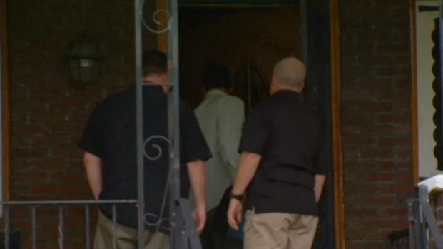 [PHI] Police Search Contractor's Home in Building Collapse