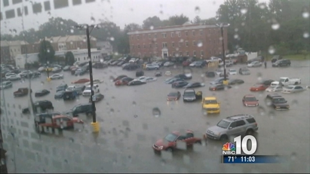 [PHI] Heavy Rain Floods Hospital Parking Lot