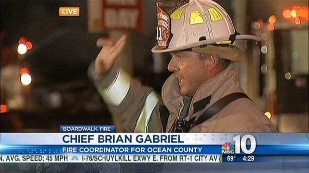 [PHI] Firefighters Battling Boardwalk Blaze Extinguish Nearby Condo Fire
