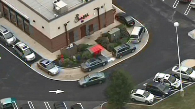 [PHI] Crowds Line Up o Show Chick-fil-A 'Appreciation'