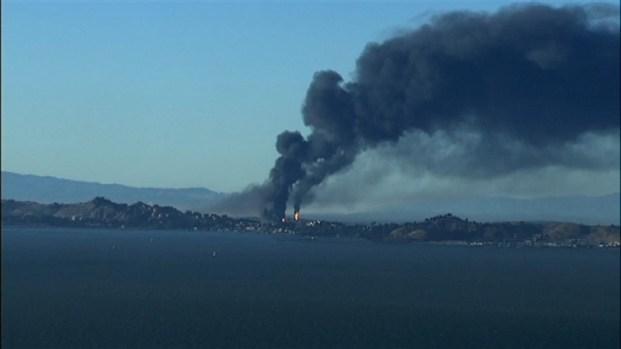 [BAY] RAW VIDEO: Chevron Refinery Erupts in Fire