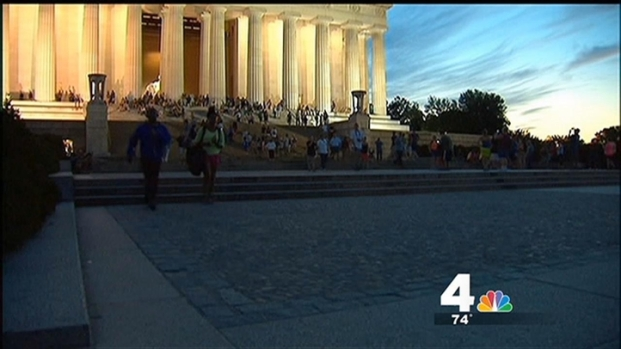[DC] Cleaning Underway for Lincoln Memorial After Vandal Tosses Green Paint