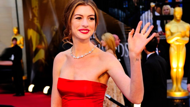 Stars Shine on the 2011 Oscars Red Carpet