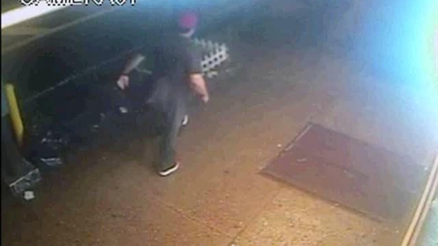 [NY] Surveillance Video: Suspect in Robbery of 92-Year-Old Chelsea Man