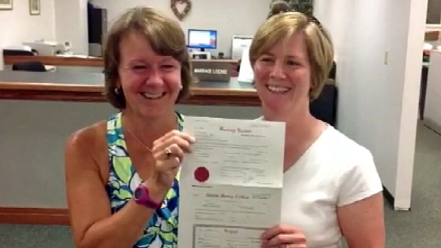[PHI] Same-Sex Couples Receive Marriage License in MontCo