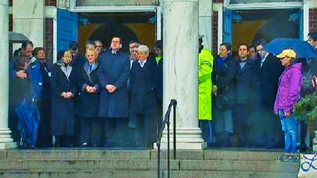 [NY] Bells Toll for Newtown School Shooting Victims as Nation Pauses to Remember