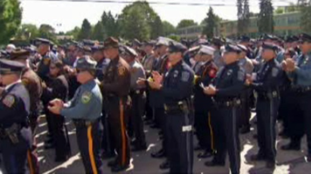 [PHI] Thousands Say Goodbye to Officer Fox