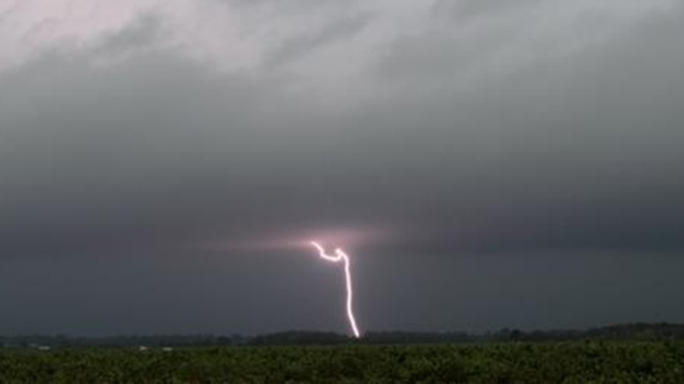 [PHI] Man Struck by Lightning