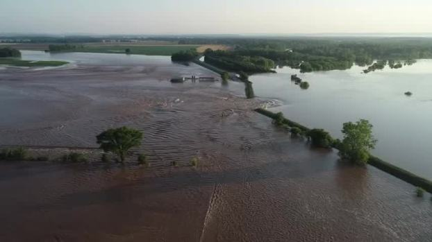 [NATL] Record Flooding in Arkansas Causes Levee Breach