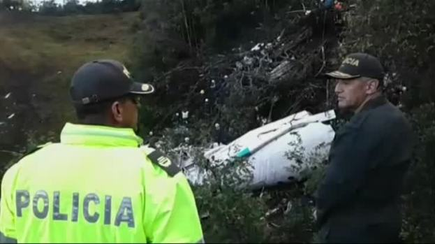 [NATL] RAW: Injured Rescued From Site of Colombia Crash