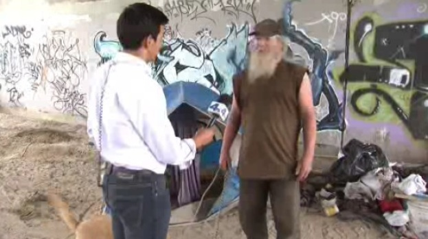 [LA] Warnings Ahead of Storm in Riverside Homeless Encampments