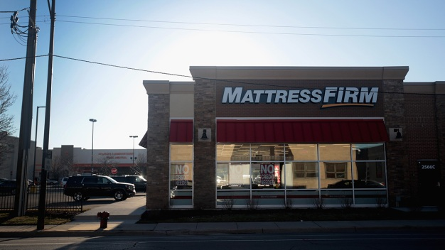 Mattress Firm Hiring 'Snoozetern' to Join Social Media Team