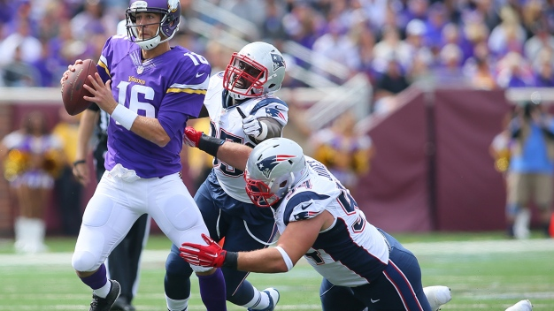 Criticism Mounting for Adrian Peterson, Vikings
