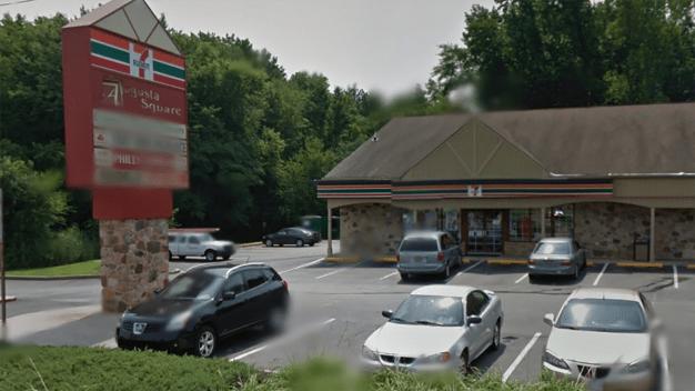 Gunman Robs Newark 7-Eleven: Police