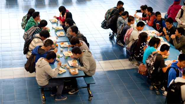 Schools Drop Federal Lunch Program